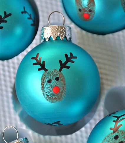 everything LEB: reindeer ornaments that use kids thumb prints