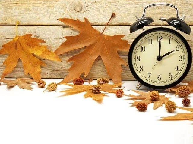 Nov 5, 2017 don't forget to turn your clocks back 1 hour. Remember fall back and spring forward.