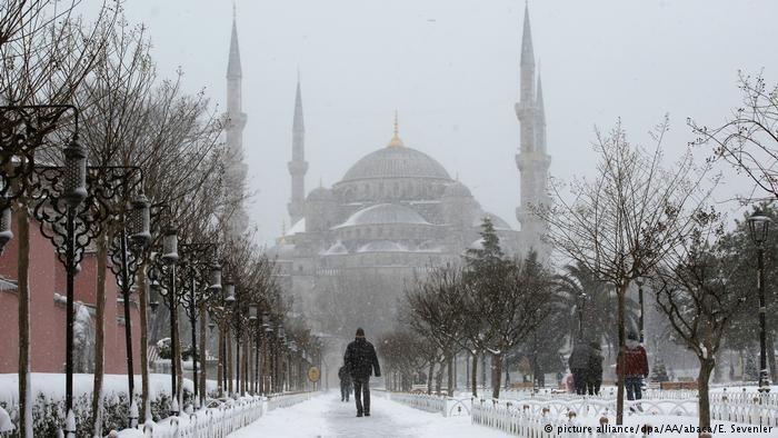 Türkei Schneefall in Istanbul (picture alliance/dpa/AA/abaca/E. Sevenler)