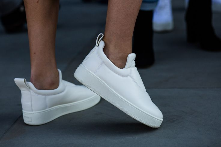 SS16 streetstyle detail white sneakers casual