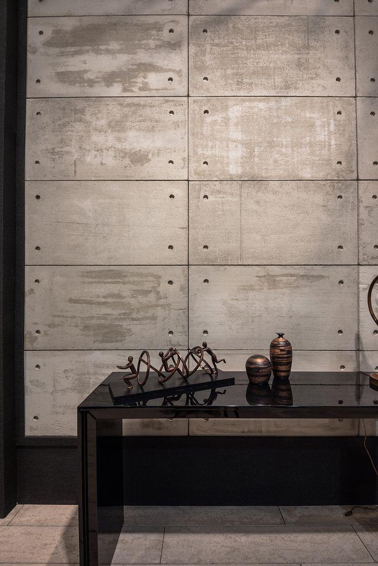 Apparente cinza - Expo Revestir 2017 - Foto: Favaro Jr.  #revestimentos #design #arquitetura #castelatto #decor #decoração #sofisticacao #textura #inovacao #parede #wall  #interioresdesign #style #decoraçãodeinteriores #decordesign #decorando #referencia #decoration #decorlovers #decoracao #archilovers #revestir #revestir2017 #exporevestir2017 #exporevestir #arquitetura #archilovers #architecture