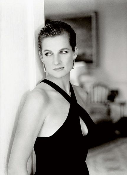 Princess Diana The first photograph I am going to analyse is an image of the iconic Princess of Wales Diana; this image was taken by the celebrated photographer Mario Testino. This was within a series of other photographs which were produced into a book called 'Diana, Princess of Wales', it was published in 2007, sadly this was 10 years after the sudden death of Diana.