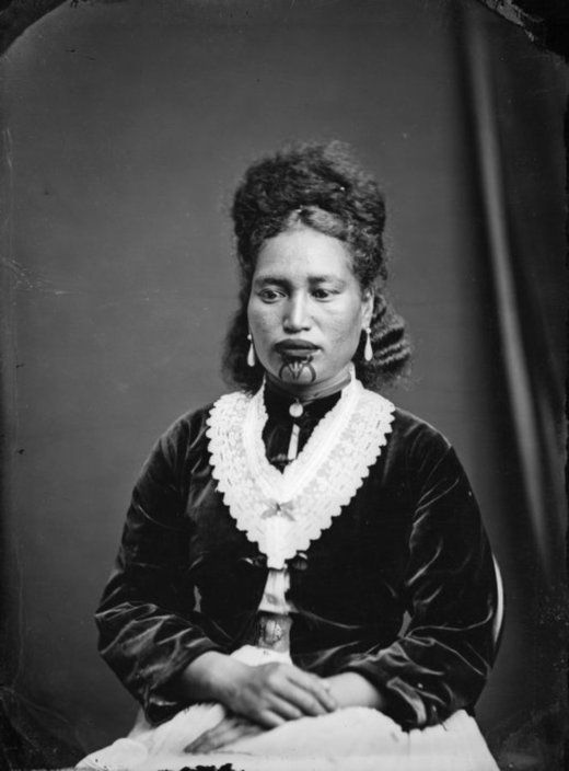 Maori woman from Hawkes Bay district / Alexander Turnbull Library