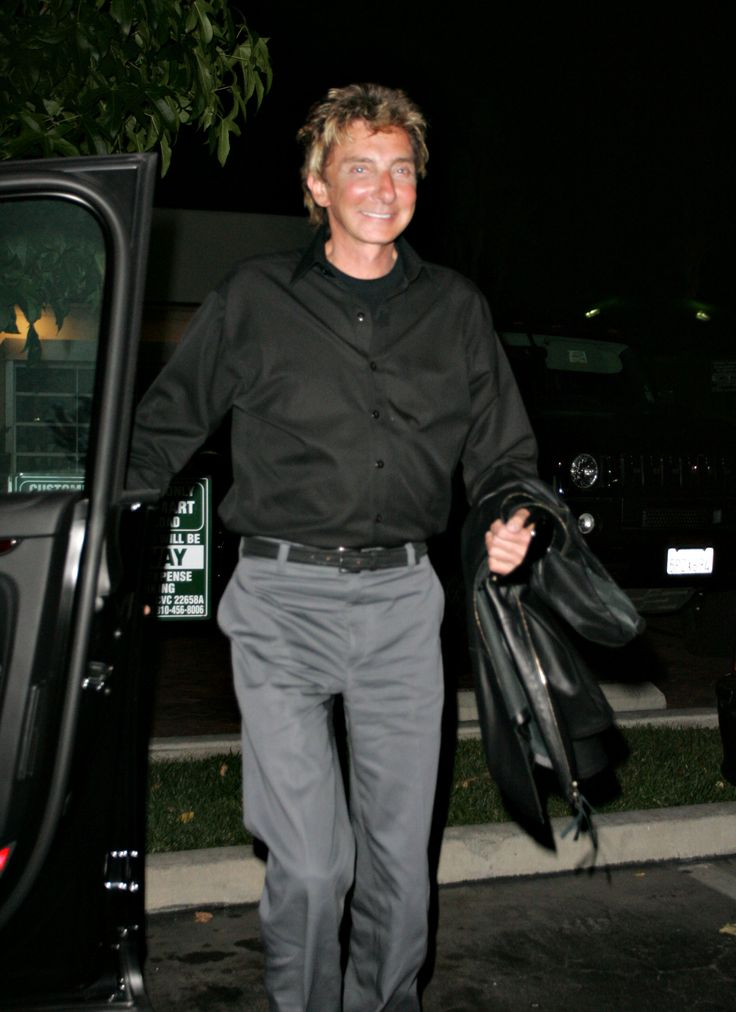 barry manilow images | Barry Manilow Married 2009
