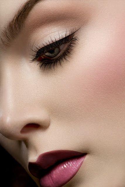 Maquiagens diversas de beleza e social.