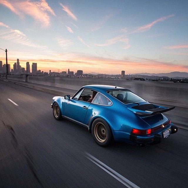 DRIVING PORSCHE — Porsche 911 Turbo 930 (Instagram @larry_chen_foto)