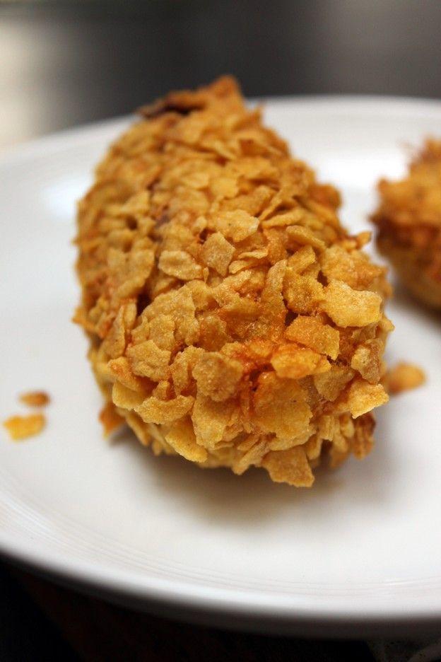 Poulet croustillant : j'ai utilisé juste un peu plus de la moitié des cérales prévues, pour 2 escalopes de poulet coupées en lanières. C'était très bon! A re-tester avec différentes épices :)