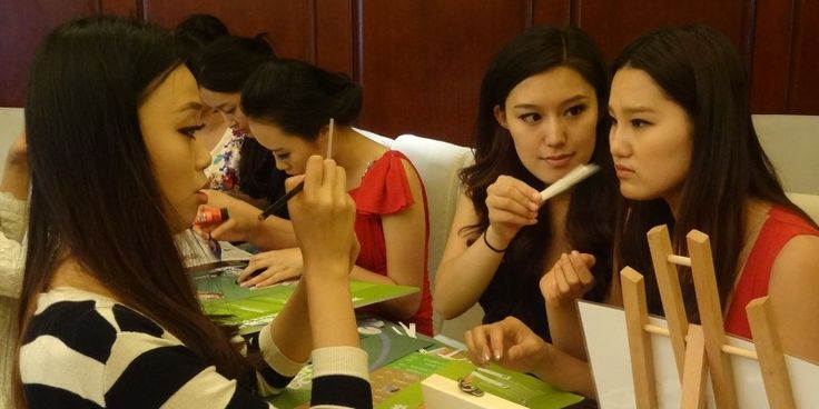 Essence of Excellence gets China's Miss World Candidates sniffing
