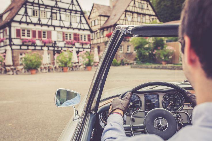 Mercedes-Benz W113 im Schwabenland | Nostalgic Classic Car Travel