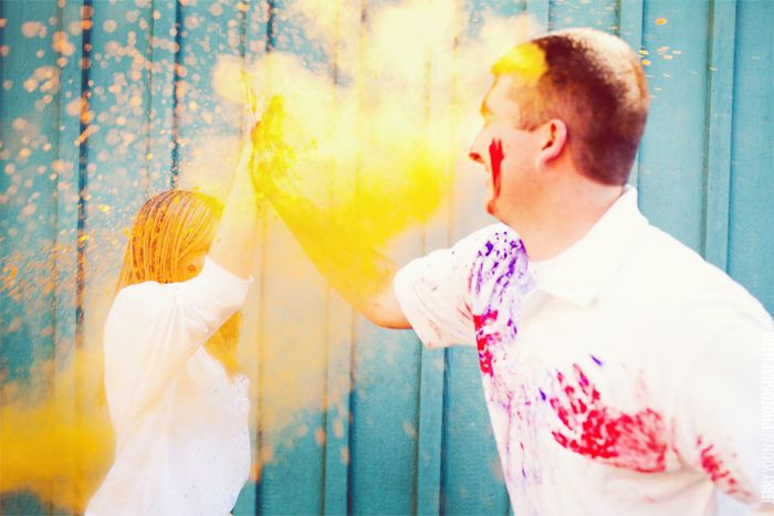 Finally found the source of the holi-holi engagement photos -- I love these. http://www.blogjerry.com/archive/a-holi-color-engagement-rachel-daniel.html