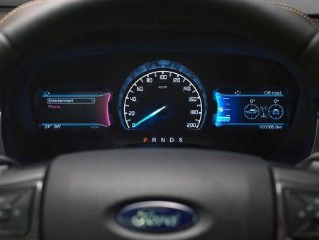 2016 Ford Everest - interior 1