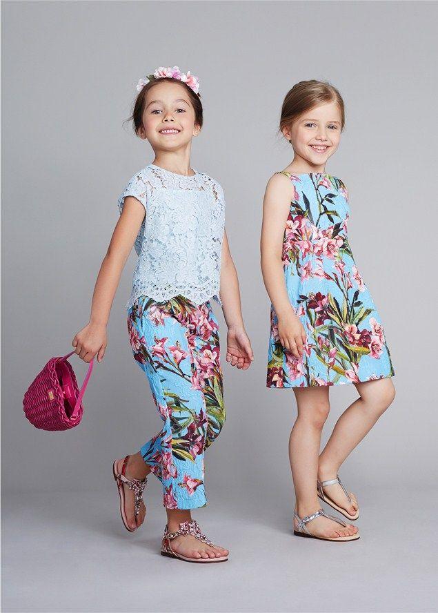 La dolce vita , de fato! A coleção para meninas de verão de Dolce & Gabbana é linda. Apresentando grandes