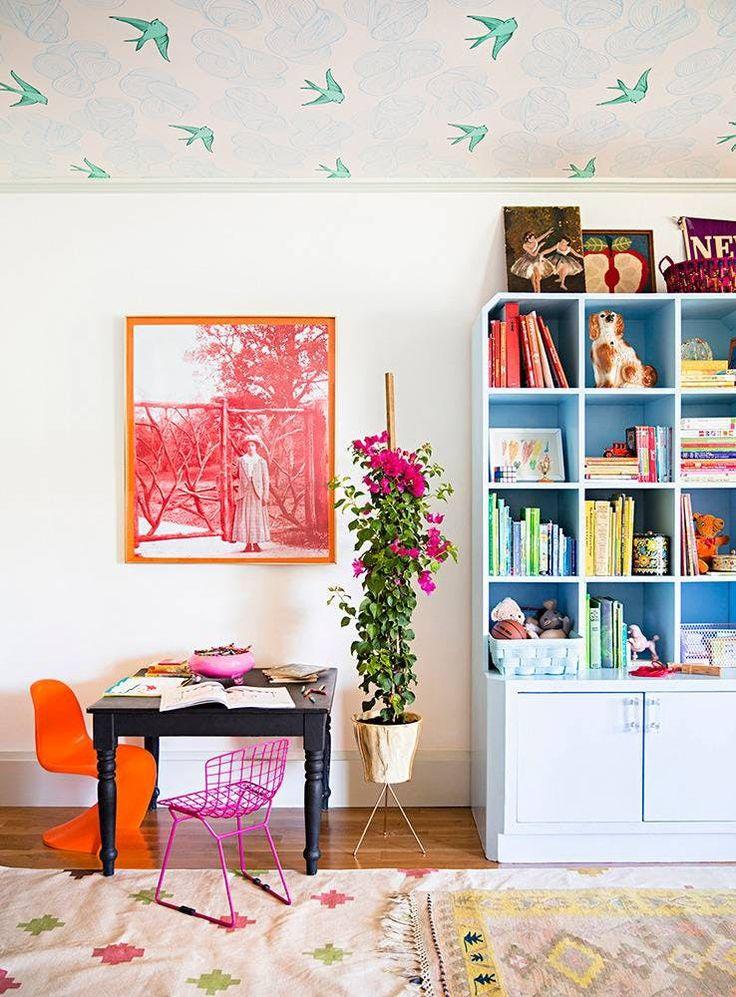 Look We Love: Wallpaper on the Ceiling. It works for me! #crazycatcoffee #onlinecoffeeshop #shopviaamazon