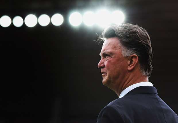 Charlton backs Van Gaal to succeed at Manchester United