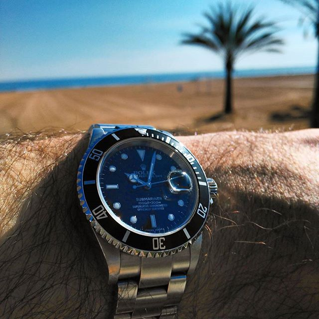 #Rolex #16610 #submarinerdate #submariner #relojes #watchporn #wristporn #horology #orologi #uhren #montres #watches #menwatches #timepiece #wristporn #watchaddiction #watchaddict #dailywatch #watchlover #watchfam #menwithclass #menstyle #wristshot  #vintagewatch #vintagerolex #grailwatch