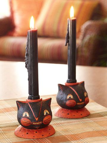 DIY Papier-mâché Halloween Candle Holders - Celluclay, a wooden candle holder and a little paint are used to create vintage candle holders. Great weekend project!