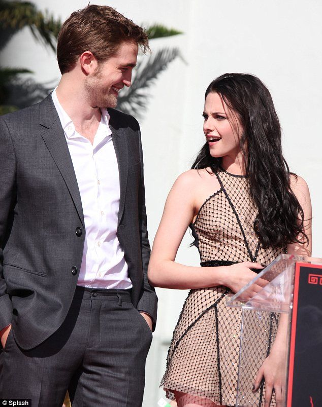 Robert Pattinson and Kristen Stewart :) <3