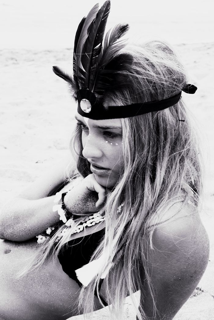 Beach Beauty feathered headband black and white