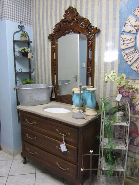 Vintage vanity with a quartz top