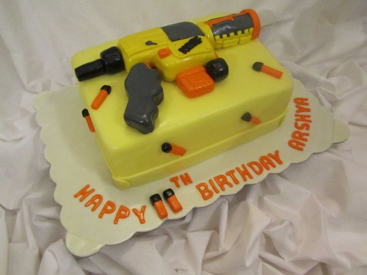Cake for teen boys by Roya'sSweets