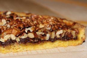 """Tante noci, tanto miele, tanto cioccolato e una croccante pasta frolla: questa è la """"Torta Bonissima"""", che è buonissima davvero! E' un dolce di indubbia origine medioevale che generalmente veniva p..."""