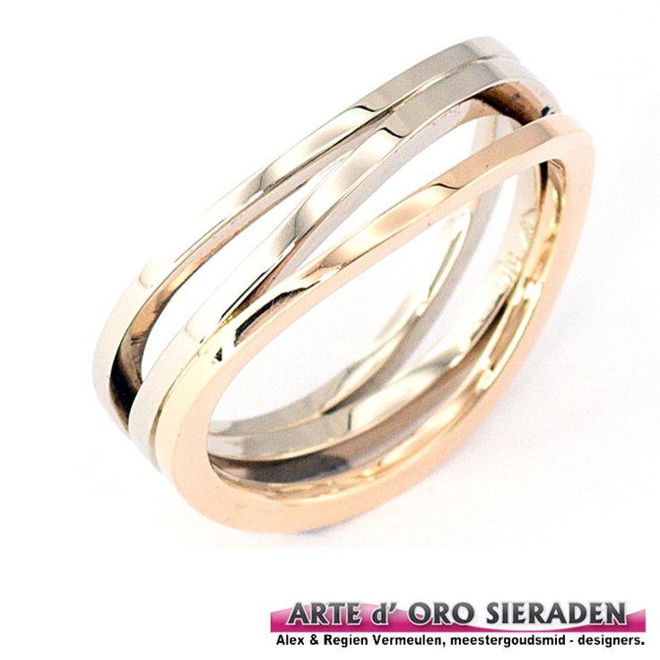 Handgemaakte 3 banen ring uitgevoerd in witgoud en rosé goud, Arte d'Oro sieraden Nijmegen.