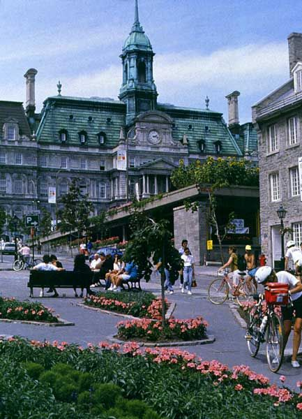 Place Jacques-Cartier, a wide, sloping pedestrian only street in Montreal with outdoor cafes and shops.
