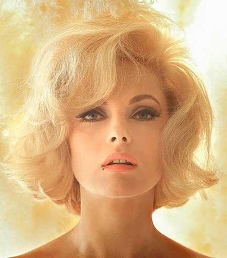 Gorgeous Iconic Short Blonde Hairstyle