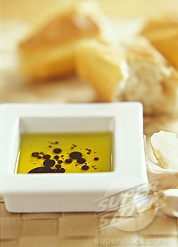 Bread with olive oil and balsamic vinegar dipping sauce.