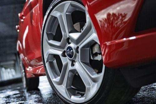2014 Ford Fiesta ST 4dr Hatchback Wheel