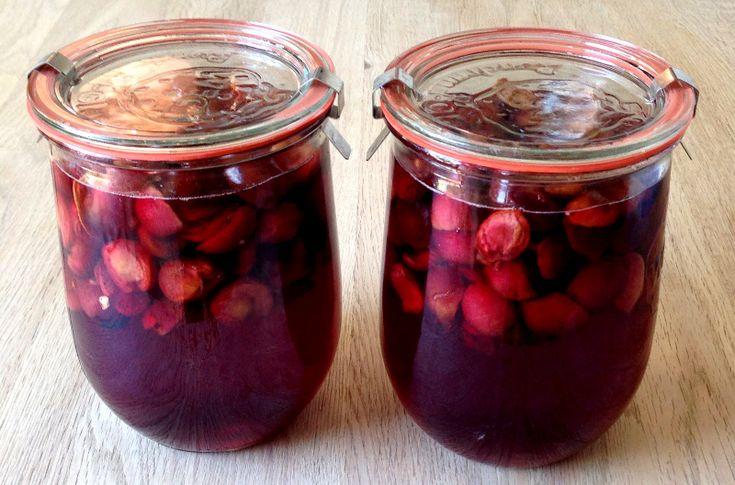 kirsebær,sukker,vanilje, vodka,rystet