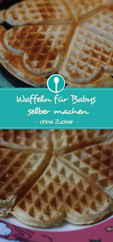 Zuckerfreie Waffeln für Babys und Kleinkinder selber machen. Die Waffeln sind ohne raffinierten Zucker und nur mit Datteln gesüßt.