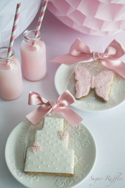 Sugar Ruffles, Elegant Wedding Cakes. Barrow in Furness and the Lake District, Cumbria: Wedding Favour Cookies