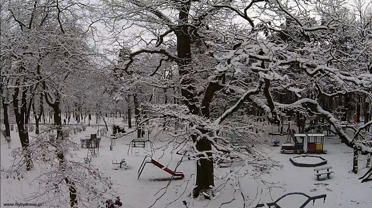 #konin #zima #biało #plac zabaw #śnieg Flycam zdjęcia z lotu ptaka