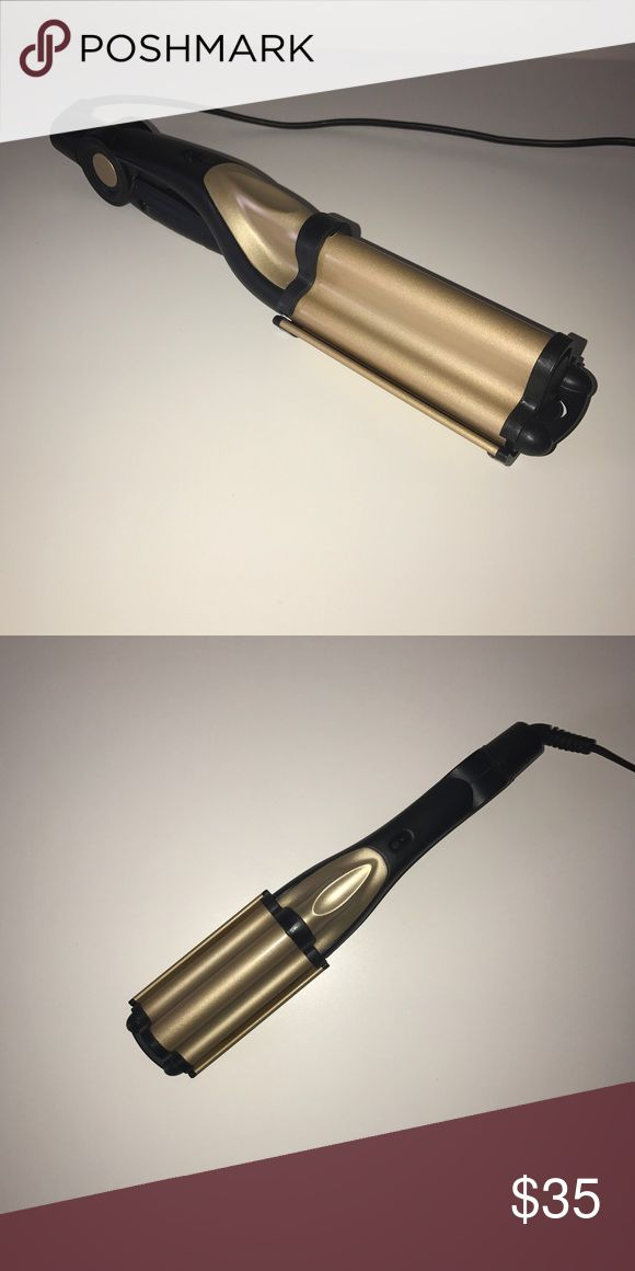 Ceramic Deep Waver Wand Professional curling iron wand. Gentle on all hair types. Adjustable temperature settings. Hair finishes silky & shiny. Ceramic waver. Eliminates static and frizz. Locks in deep conditioning. Creates lustrous deep waves. Great condition. Gold N Hot. Accessories