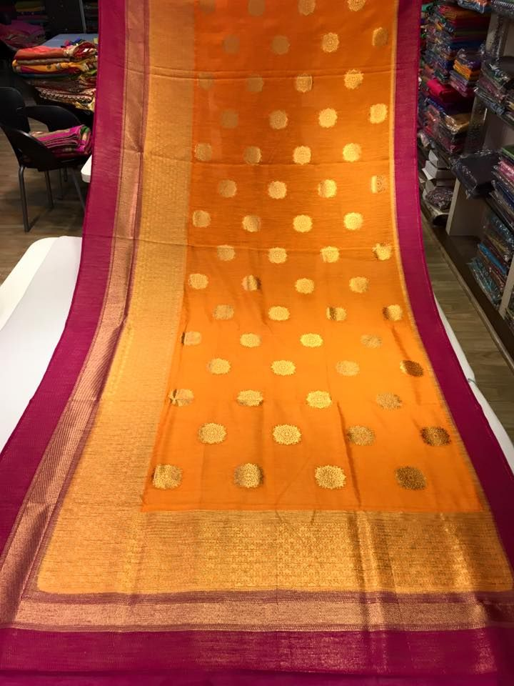 Here is the latest lenin gadwal sarees .gadwal saree are very traditional They are most notable for the Zari on th...