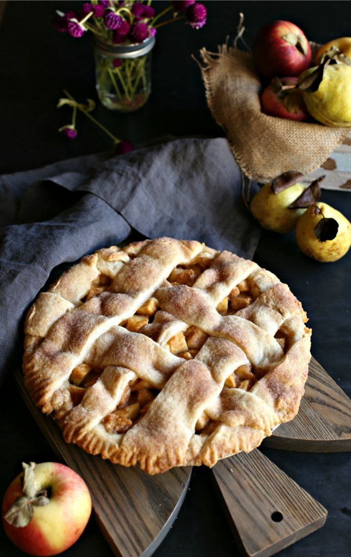 Pear and Apple Autumn Pie