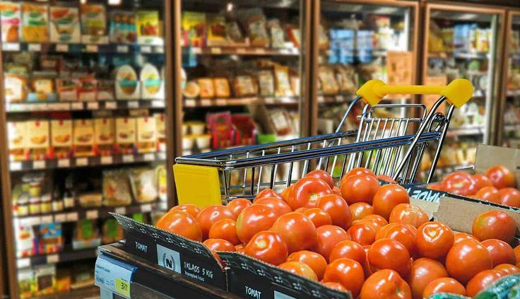 Trăim în epoca consumerismului. Consumăm mult, irosim la fel de mult. În fiecare an, în perioada sărbătorilor, vedem reportaje la TV cu mâncarea aruncată l