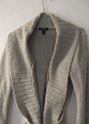 À vendre sur #vintedfrance ! http://www.vinted.fr/mode-femmes/cardigans/53779005-magnifique-gilet-en-grosse-maille-beige