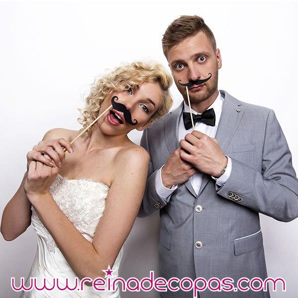 Bigotes de quita y pon. Para photocall bodas, para un selfie... Fotos divertidas. http://www.reinadecopas.com/es/photocall/360-bigotes-mostachos-photocall.html