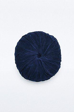 Rundes Kissen in Marineblau mit Faltendesign