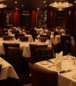 Dinning Room at Moishe's Steakhouse in Montreal, Canada. Great Steak on New Years.