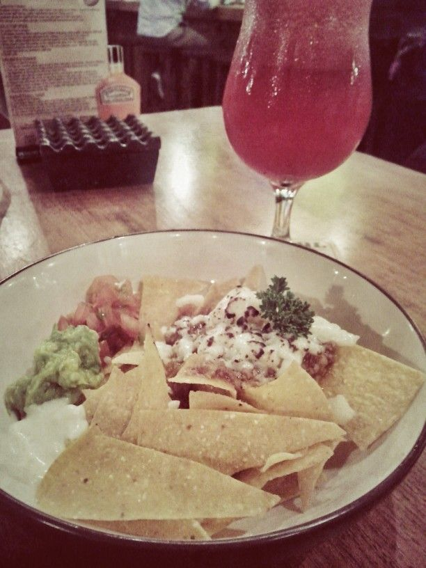 NACHOS WITH SMOKE BEEF + watermelon juice.. // Lokasi OURBAR, surabaya