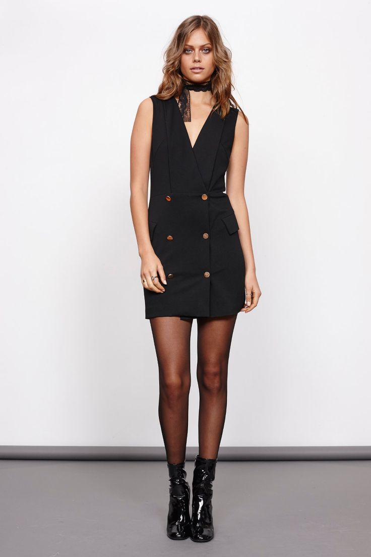 Blazer dress, είναι αναμφισβήτητα μία από τις πιο δυνατές τάσεις της σεζόν που κερδίζει τις ...