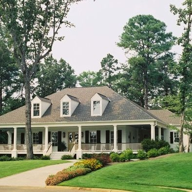 wraparound porch. i would absolutely live on that porch.