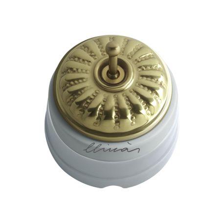 Comprar | Conmutador porcelana con tapa y palanca grabado brillo | Interruptores porcelana superficie #iluminacion #decoracion #accesorioslamparas #lamparas #handmade #vintage #interruptoresporcelana