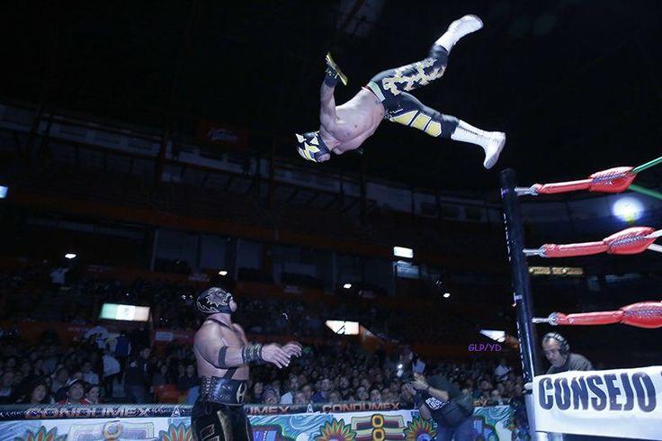 Lucha libre arena México martes 12 de enero. Fotos: Gonzalo López Peralta/Yahoo Deportes - Noticias y resultados de fútbol y otros deportes