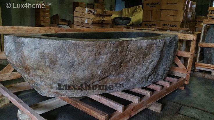 Wanna z kamienia polnego Lux4home™. Produkujemy wanny wg życzeń - do wyboru różne kamienie, rozmiary. Ta wanna to model Flumen o rozmiarach 230 cm x 115 cm x 60 cm. Prawie jak wanna dwuosobowa...  Tak wygląda na magazynie...
