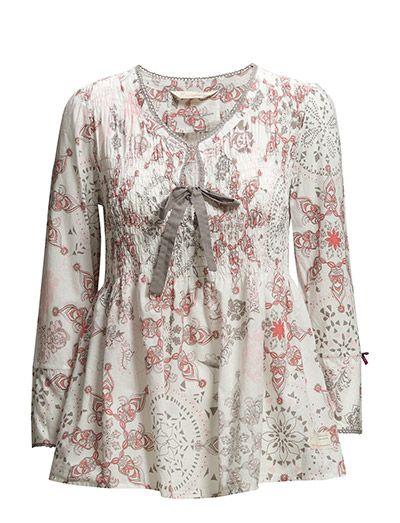 falling down blouse