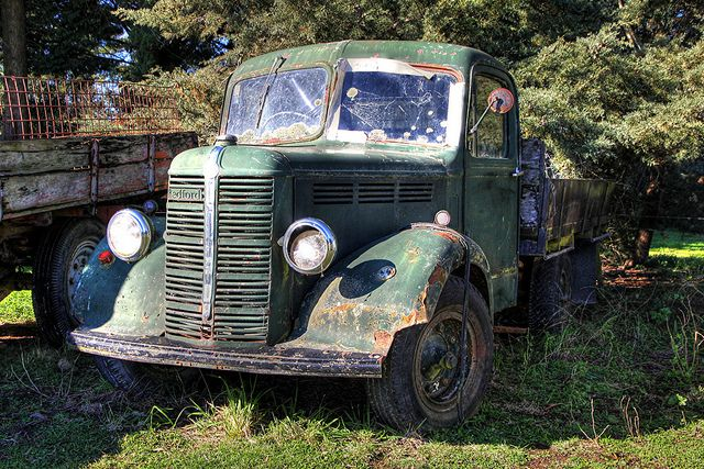 Old Bedford Truck, New Zealand by Brian NZ, via Flickr